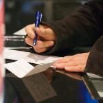 Alerta a Consumidores de Fraudes con Cheques Falsos en la Compra-Venta de Autos Usados